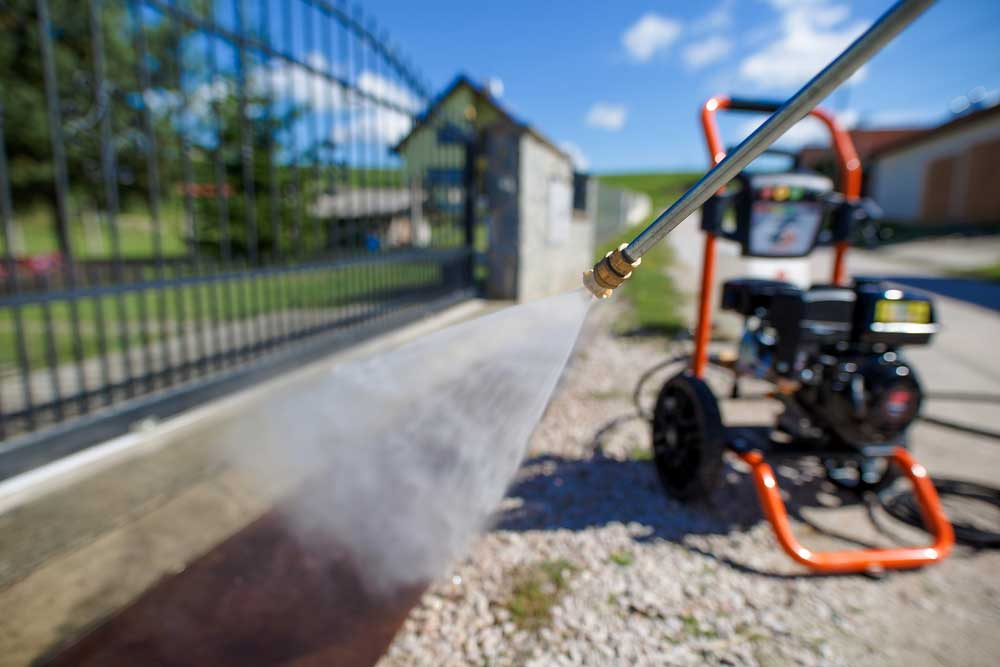 How To Clean The Gutter And Side Walls Of Your House Using Pressure Washer