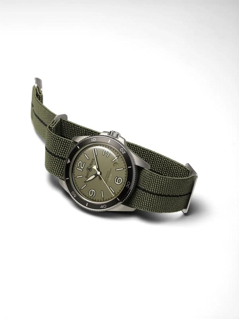 I60 04 BRV2 92 Military Green.jpg 1600px
