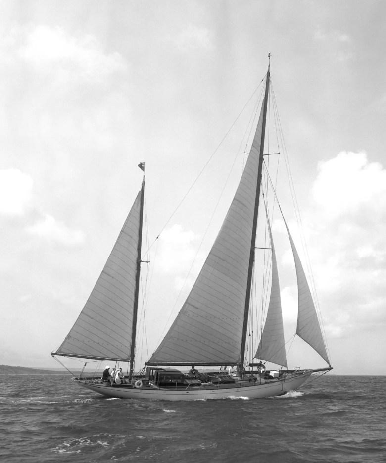 Panerai Radiomir Eilean Yacht 1 854x1024