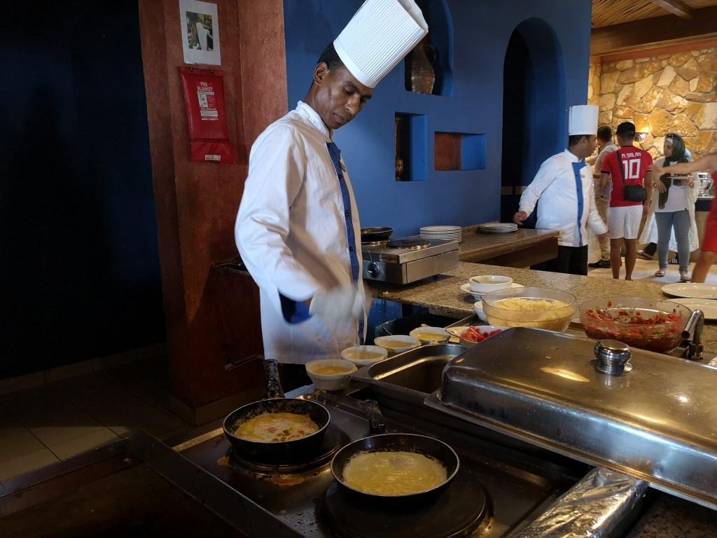 Meneer ontbijt uit: in de all-inclusive in Egypte