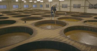 Meditatief foodfilmpje: soja saus maken