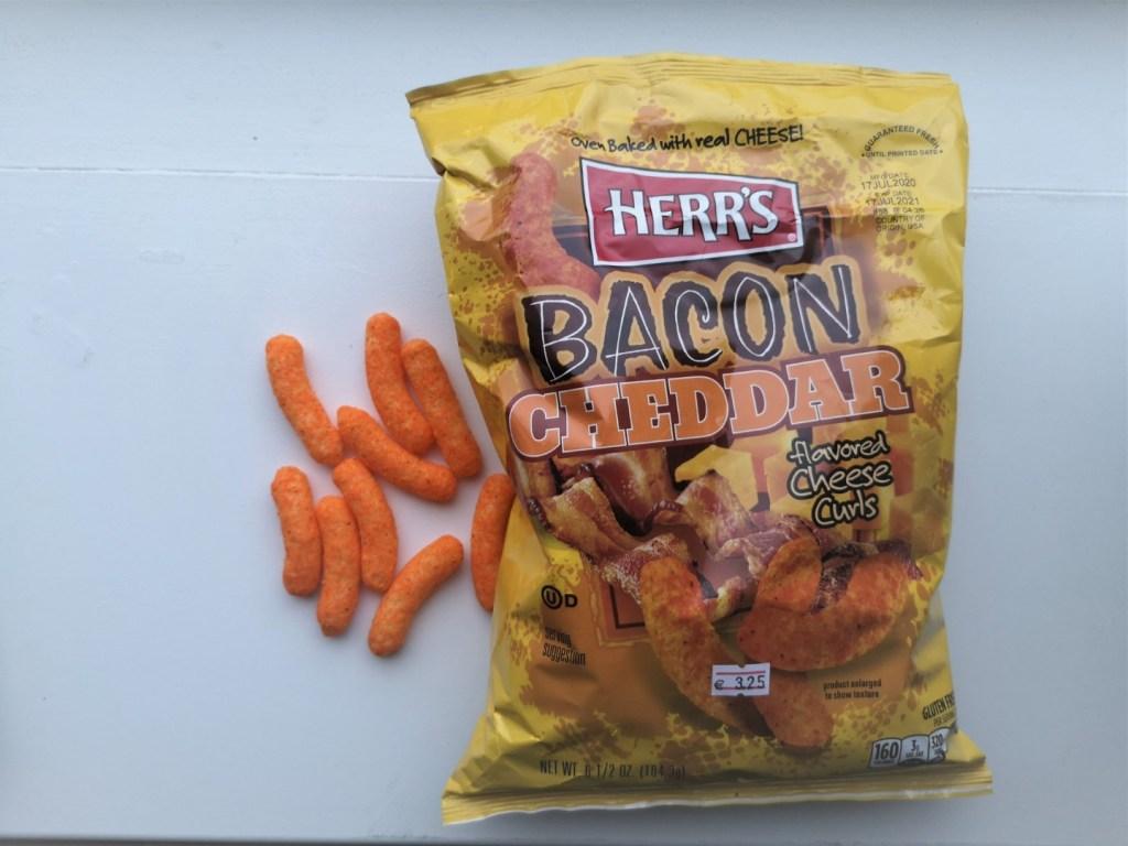 Chips van de week: Herr's Bacon & Cheddar Cheese Curls