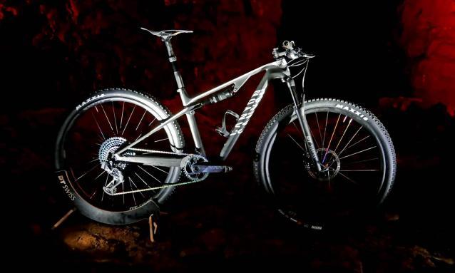 2020 Canyon Lux CF SLX 9.0 Race LTD