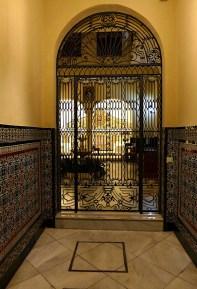 Doorway in Seville P1040239