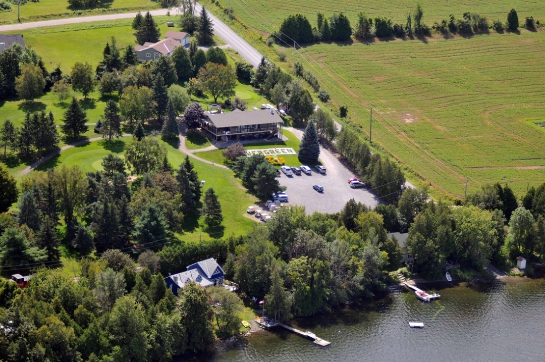 An aerial shot Evergreen golf course, located just a 5 minute drive away from Watercolour Westport.