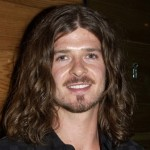 robin-thicke-long-hair-600x450