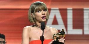 Taylor-Swift-2016-Grammys