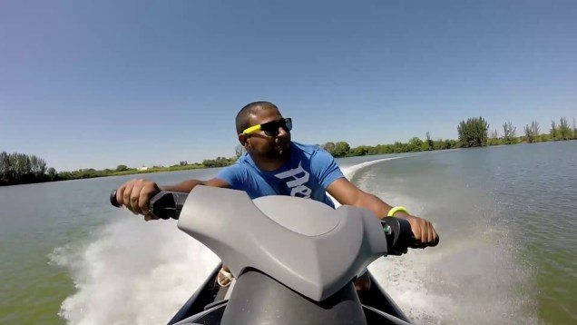 Jet ski racing fun Yamaha fx ho vs. Yamaha vx vs. Honda aquatrax f12