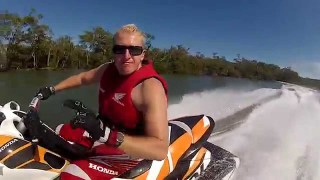 Jetski Racing near crash