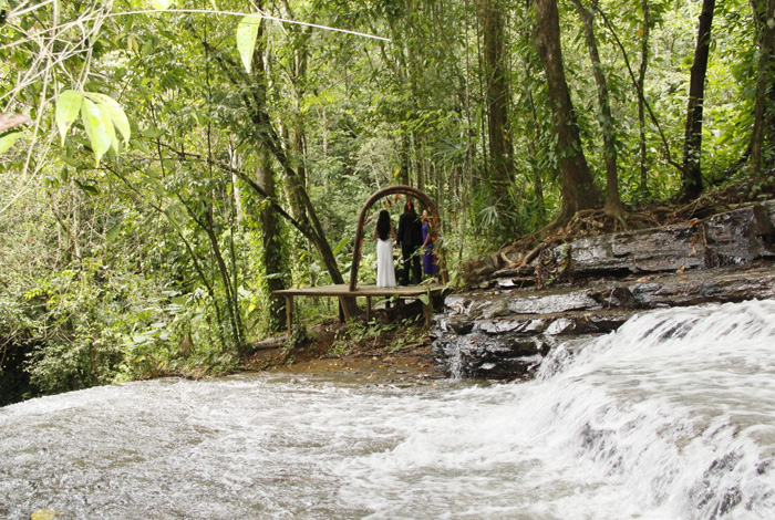 Wedding Destination in Costa Rica | Intimate Waterfall Wedding