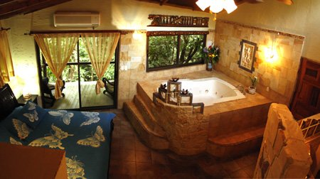 Honeymoon Jacuzzi Suite
