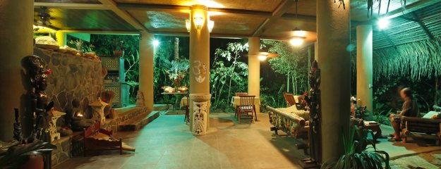 Waterfall Villas - dining area 1