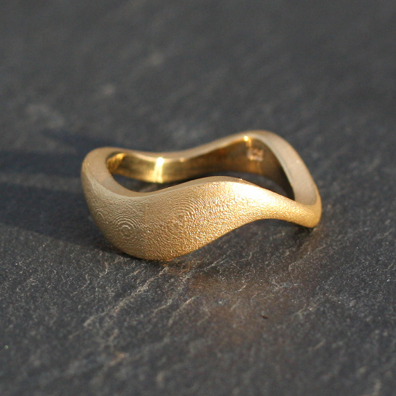 Ring Waves gold