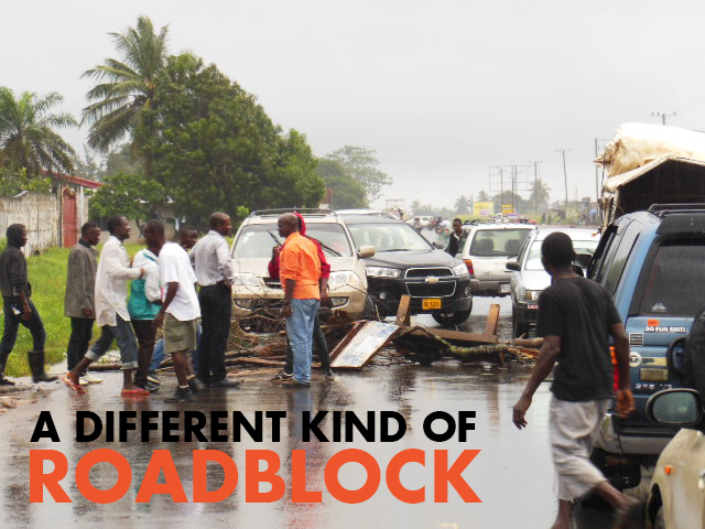 Liberians Block Road to Alert Police of Ebola Deaths