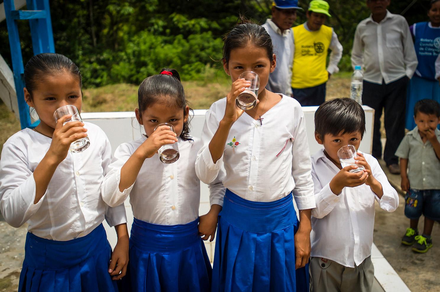 A few of Segundo's children drink safe water.