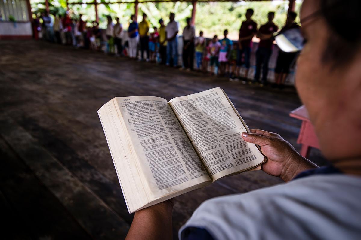 Bible study in Villa Maria, Peru