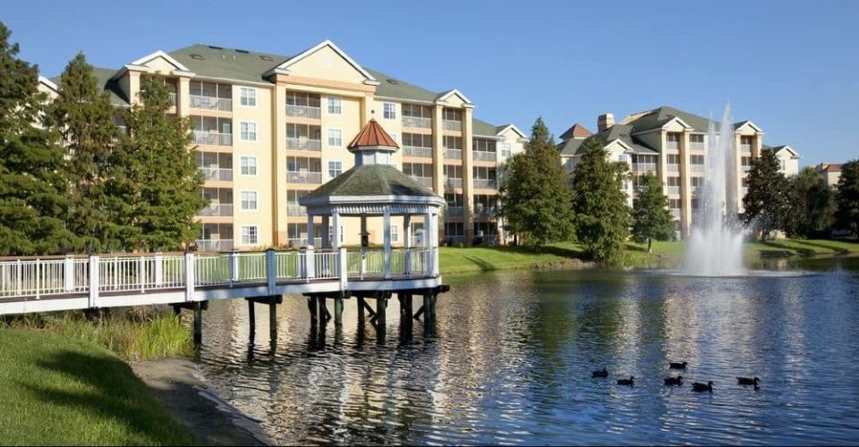 Villas overlooking the lake Sheraton Vistana Resort in Orlando 960