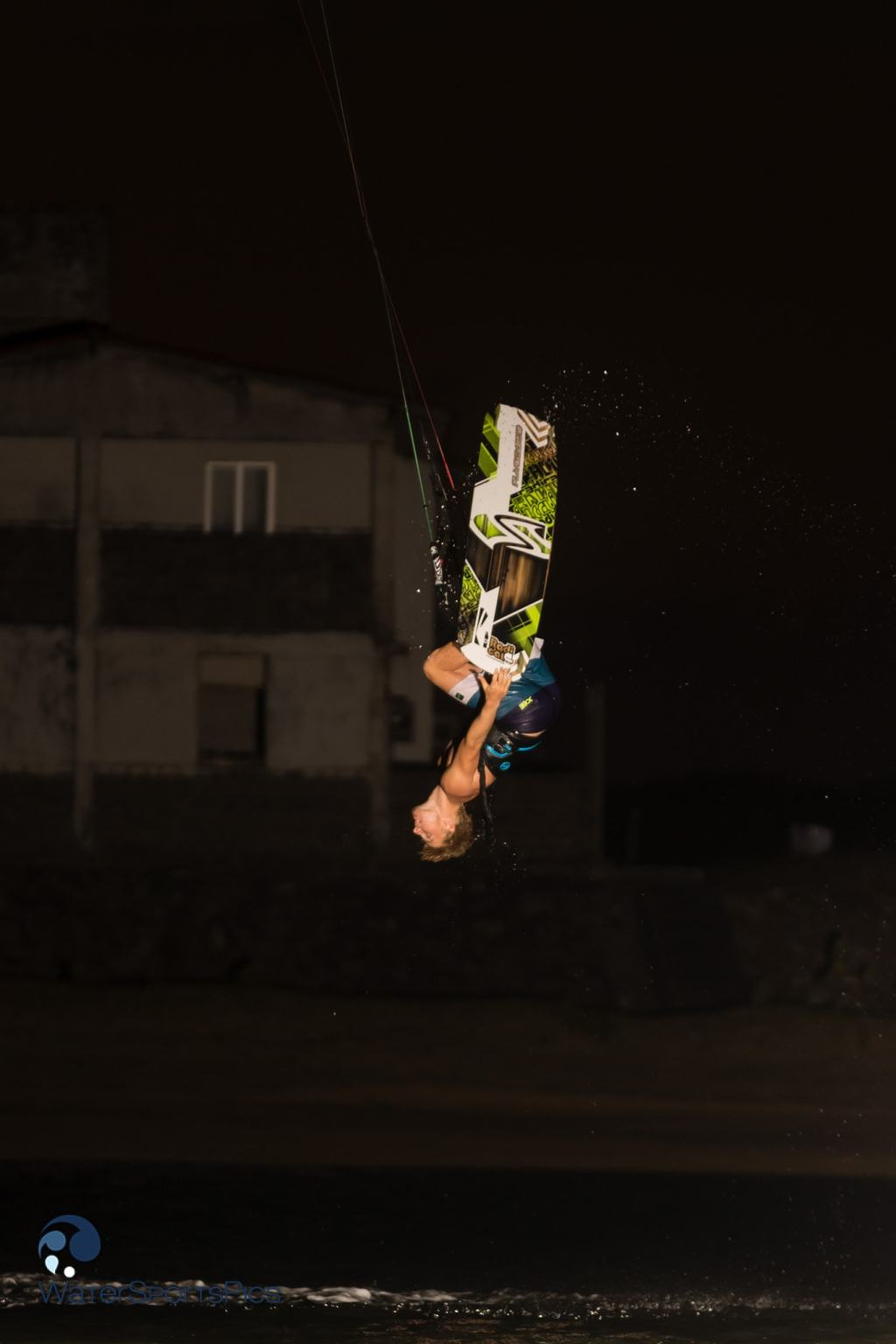 Evening flash session with Dylan van der Meij (Flysurfer/Jobe/Lip/Lifely/Versus) on the lagoon of Barra do Rio, Brazil on 11 November 2014
