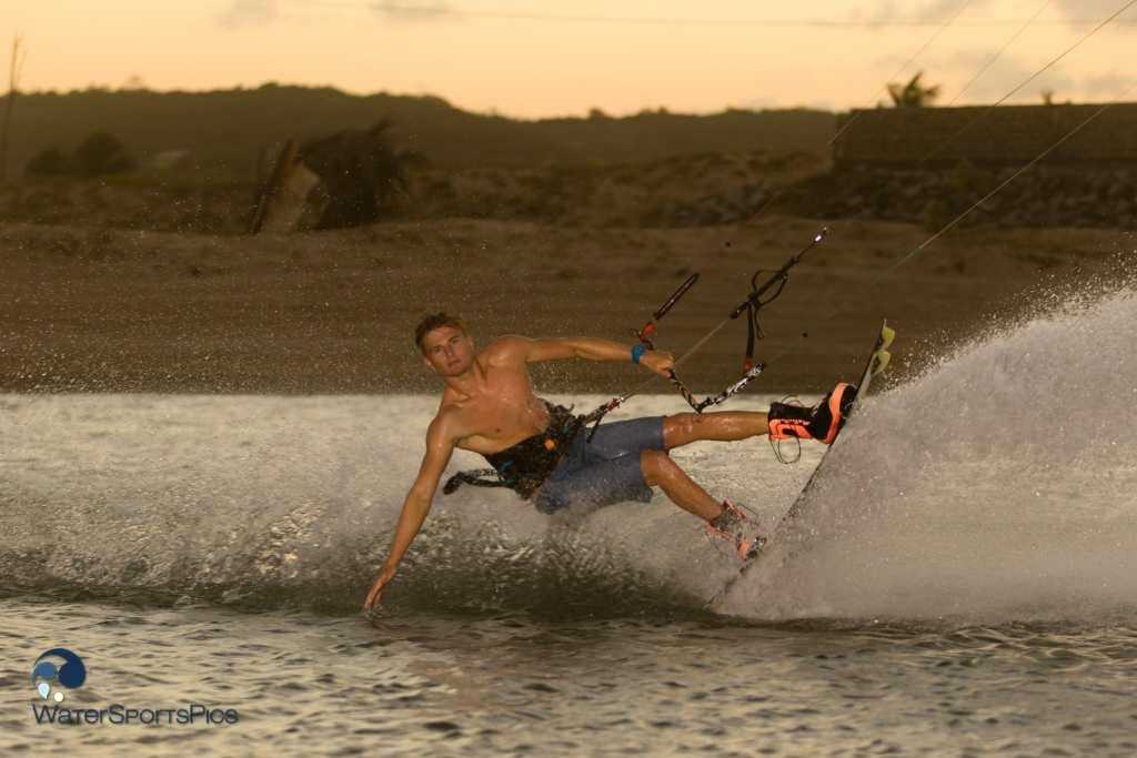 Flash session with Dylan van der Meij (Flysurfer/Jobe/Lip/Lifely/Versus) in Barra do Rio, Brazil on 14 November 2014