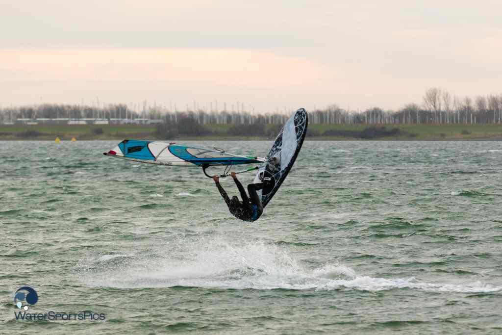 Mats Moyson at Brouwersdam op 05 December 2015 bij Zeil- en Surfcentrum Brouwersdam, The Netherlands