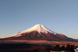 วิวภูเขาไฟฟูจิจากห้องพัก