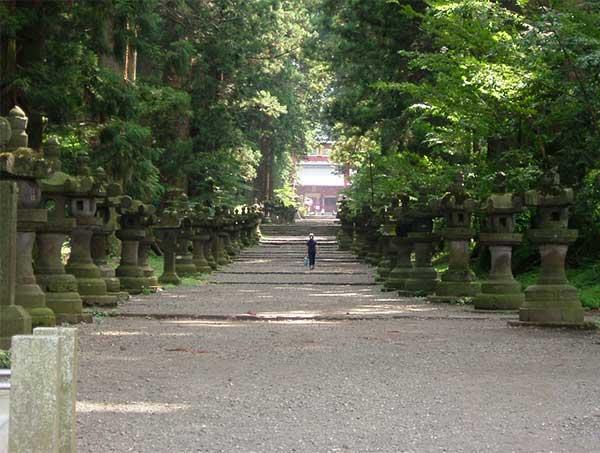 1.1.2-path-kitaguchisengen-jinja-shrine