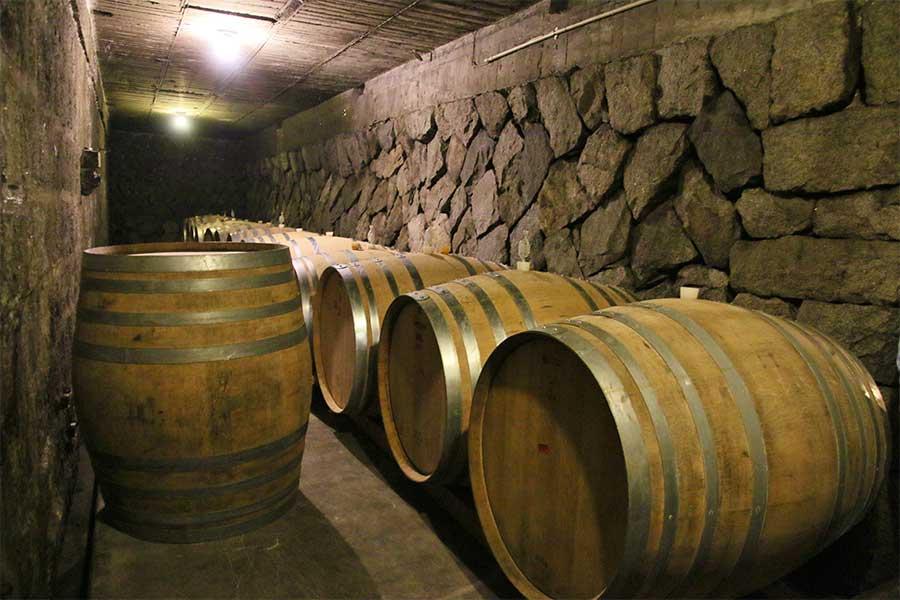 2.3-japanese-wine-barrels