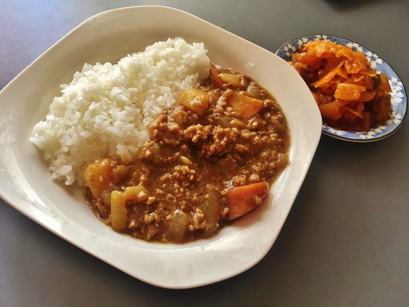 加上福神漬,日式咖哩飯就完成了