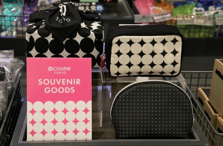 @cosme TOKYO亦推出該店限定的周邊商品