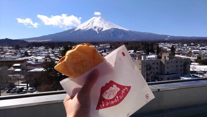 Japanese fish-shaped cake tastes all the more delicious with a spectacular view of Mt Fuji.