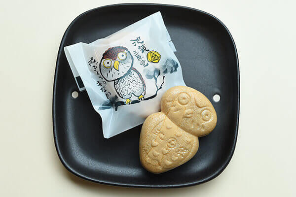 Owl-shaped confection
