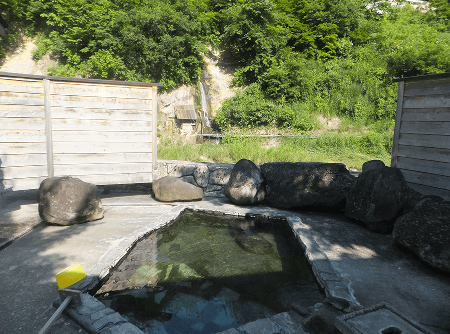 mixed-outdoor-ryokan-onsen-hot-spring-