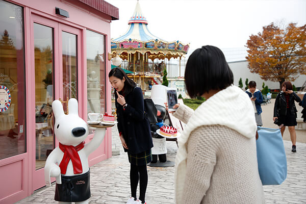 Lisa and Gaspard Town at Fuji-Q Highland is a popular check-in attraction on social media