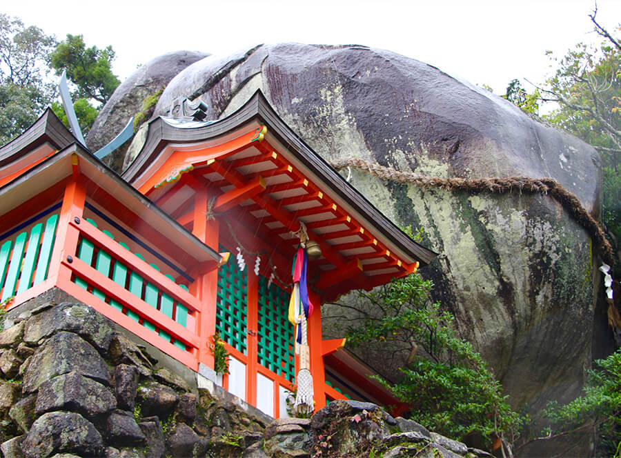Gotobiki sacred rock watching over the Kumano region.