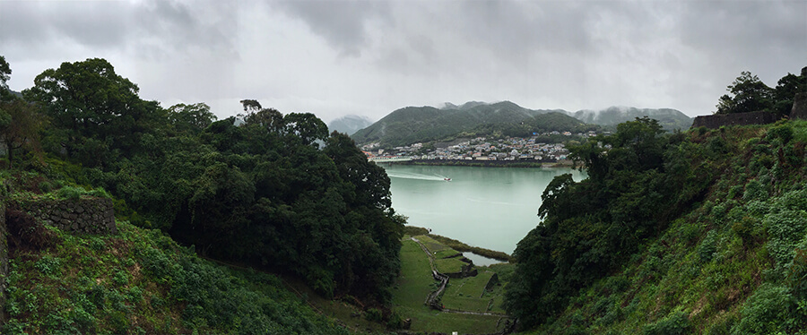 Shingu and the Kumano-gawa river seen from the ruins of the Shingu (Tankaku) castle