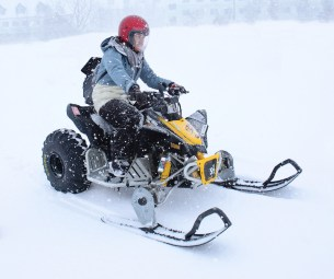Driving Snow buggy