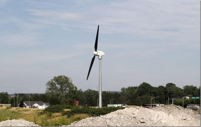 Thruway-wind-turbines-1260x800