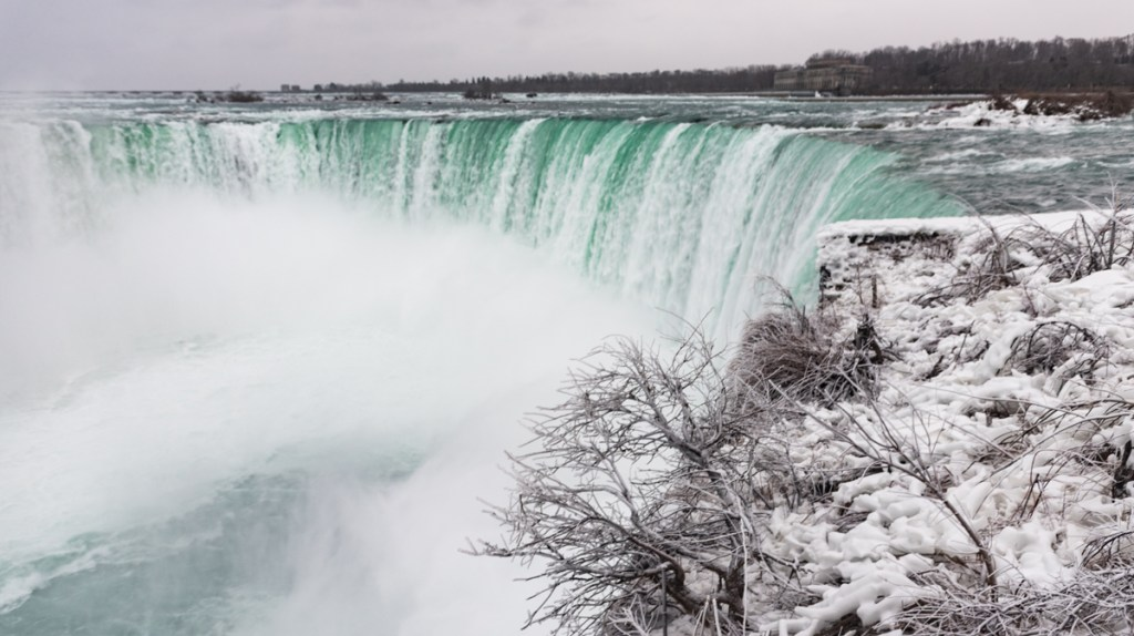 The frozen Niagara Falls and Frozen Niagara River