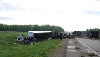 Multi-vehicle crash involving semi snarls traffic on Hwy  51