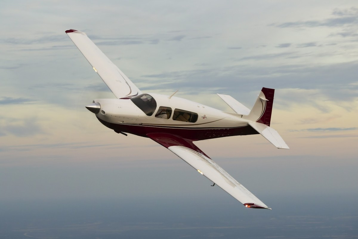 Mooney M207 airplane aircraft