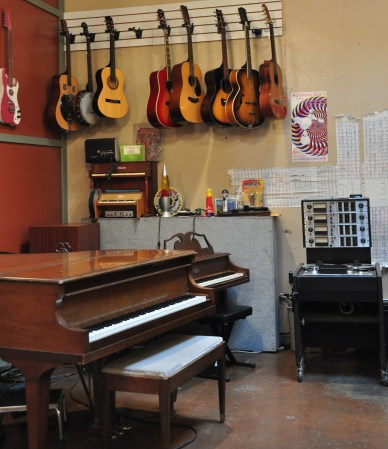 Piano and Acoustics