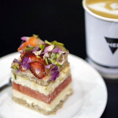 通常絶対にできないメルボルンのコーヒーとシドニーのケーキという夢のコラボ