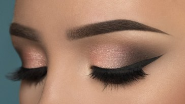 Smoky Eye Makeup Pictures – Wavy Haircut for Smoky Eye Makeup Gallery
