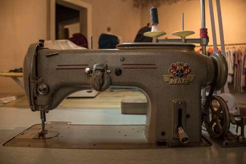 Unsere geliebte alte Nähmaschine