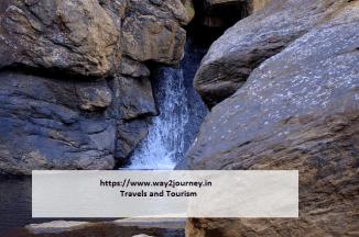 waterfall-2103104_640