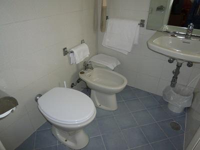 イタリア・ローマのホテルのトイレ