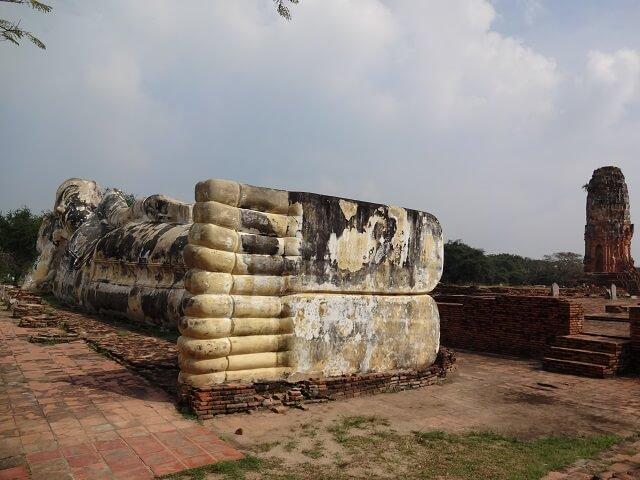 タイのアユタヤ遺跡の涅槃像の足裏