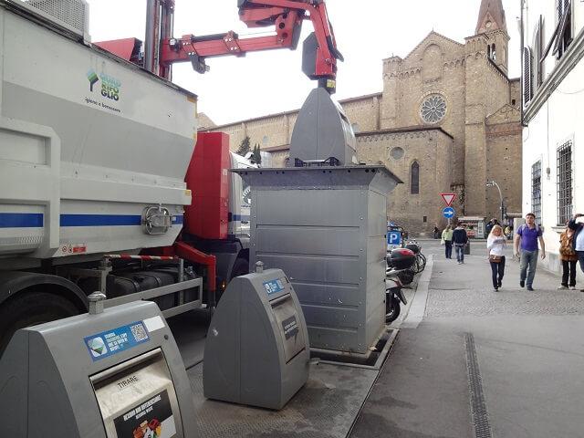 イタリア・フィレンツェのゴミ箱