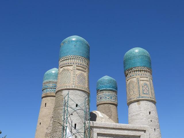 ブハラのチャル・ミナレの4つの塔