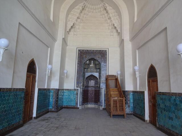 ブハラのカラーンモスクの内部